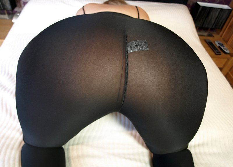 huge-ass-in-tights
